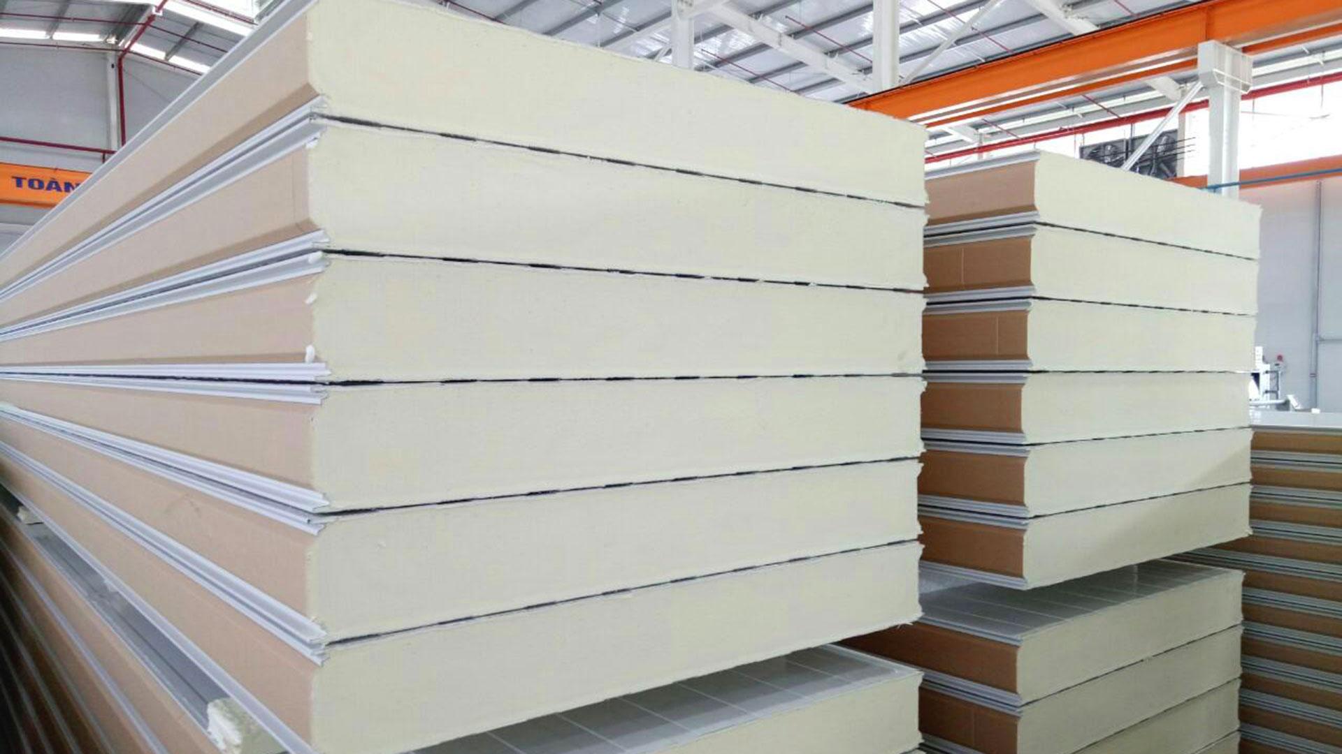 Panel Pisocy làm kho lạnh, kho đông cách nhiệt và giữ nhiệt hiệu quả